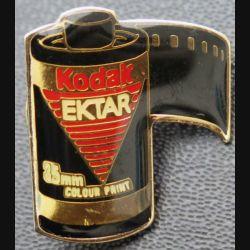 PIN'S : Kodak Ektar de hauteur 2,5 cm