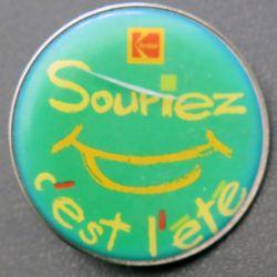 PIN'S : Souriez c'est l'été de diamètre 4 cm