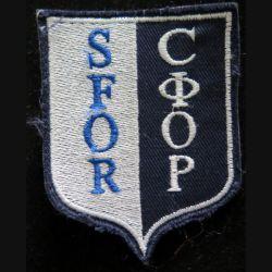 SFOR : Insigne Tissu de la SFOR dimension 6,8 x 9,7 cm