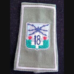 18° RT : fourreau d'épaule du 18° régiment de transmissions (compagnie gris clair)