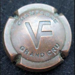 Capsule Muselet de bouteille de champagne Varnier-Fannière estampée vieux bronze Grand Cru (L4)